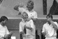David Gower & co celebrate at The Oval, September 1985