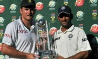 Graeme-Smith-and-Mahendra-007